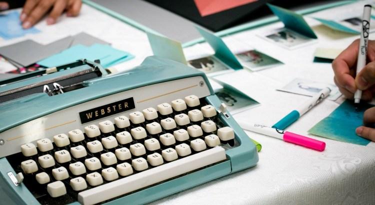 typewriter-1791834-2